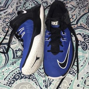 nike air versitile 2 , black/blue